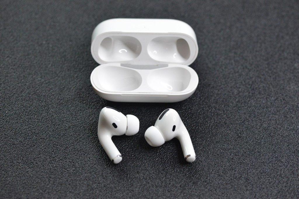 earphones, apple, airpods
