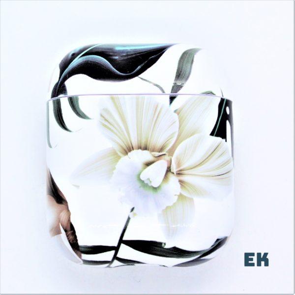 coque airpods fleur blanche